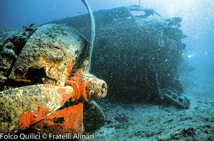 Folco Quilici, relitto di una fortezza volante nel mare della Corsica, Cagli 1990 - Folco Quilici © Fratelli Alinari