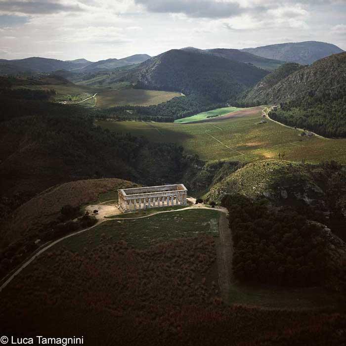 Paesaggi italiani - Segesta, 2000 - Foto di Luca TamagniniAUTORIZZAZIONE OBBLIGATORIA PER TUTTI GLI UTILIZZI. RIVOLGERSI A PHOTOATLANTE SRL