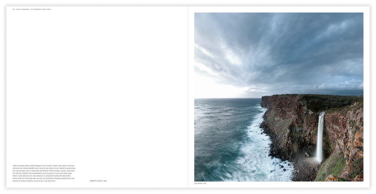 La doppia pagina della Cascata di Capo Nieddu, 2018 fotografia pubblicata sul libro fotografico Italia Paesaggio Costiero di Luca Tamagnini - Edizioni Photoatlante