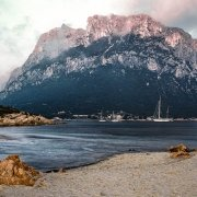 Tavolara, Spalmatore di Terra, istmo Passetto / Catalogo Luca Tamagnini Foto Mare Sardegna