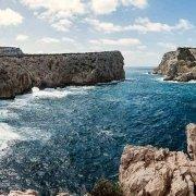 Sardegna, Capo Caccia, Isola Piana vista dalla scogliera mare mosso / Luca Tamagnini Catalogo 2008-024