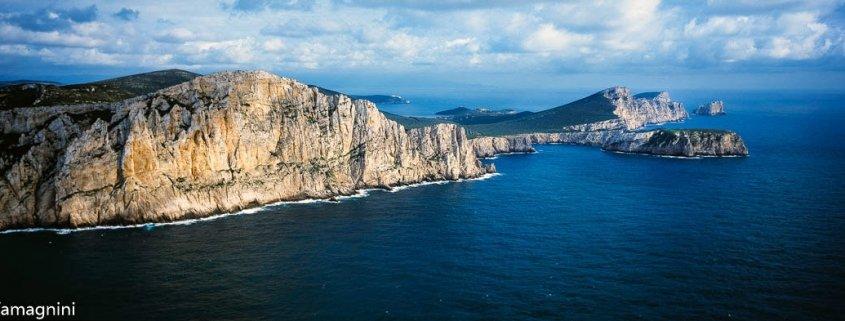 Sardegna, Capo Caccia, Punta Cristallo dal cielo - Foto di Luca Tamagnini