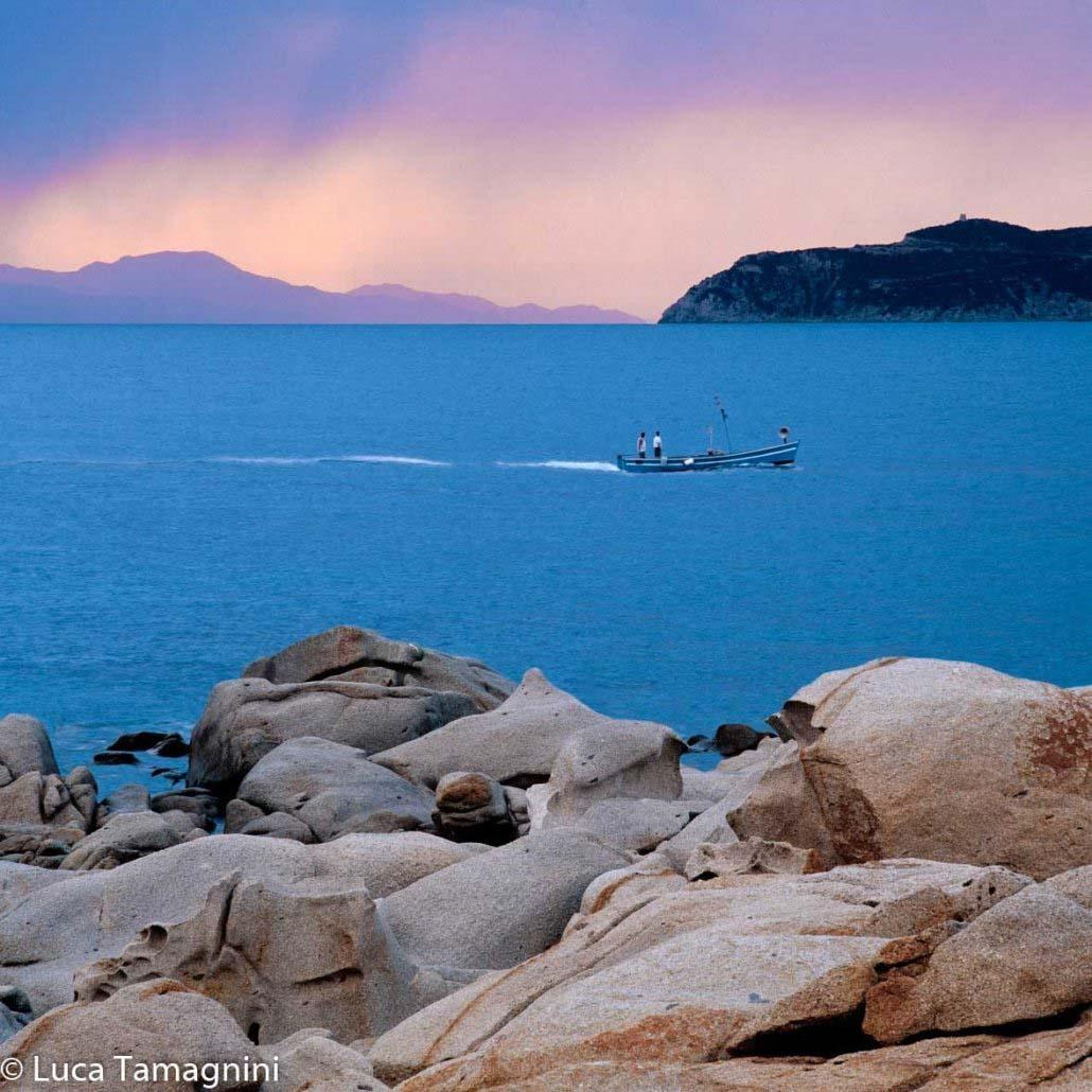 Sardegna-Capo-Carbonara-Punta-Santo-Stefano-barca-di-pescatori-foto-di-Luca-Tamagnini
