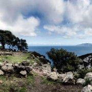 Sardegna, Golfo di Orosei, Cala Gonone, Nuraghe sul mare. Foto di Luca Tamagnini.
