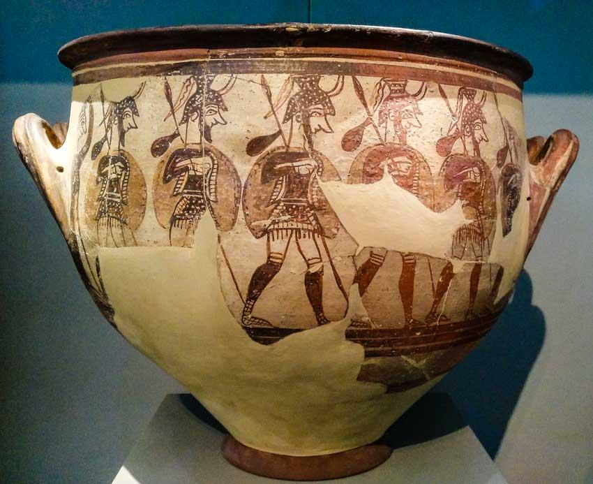 Popoli del Mare e Civiltà Micenea. Vaso dei Guerrieri (reperto miceneo del XII secolo a.C. Museo Archeologico di Atene).