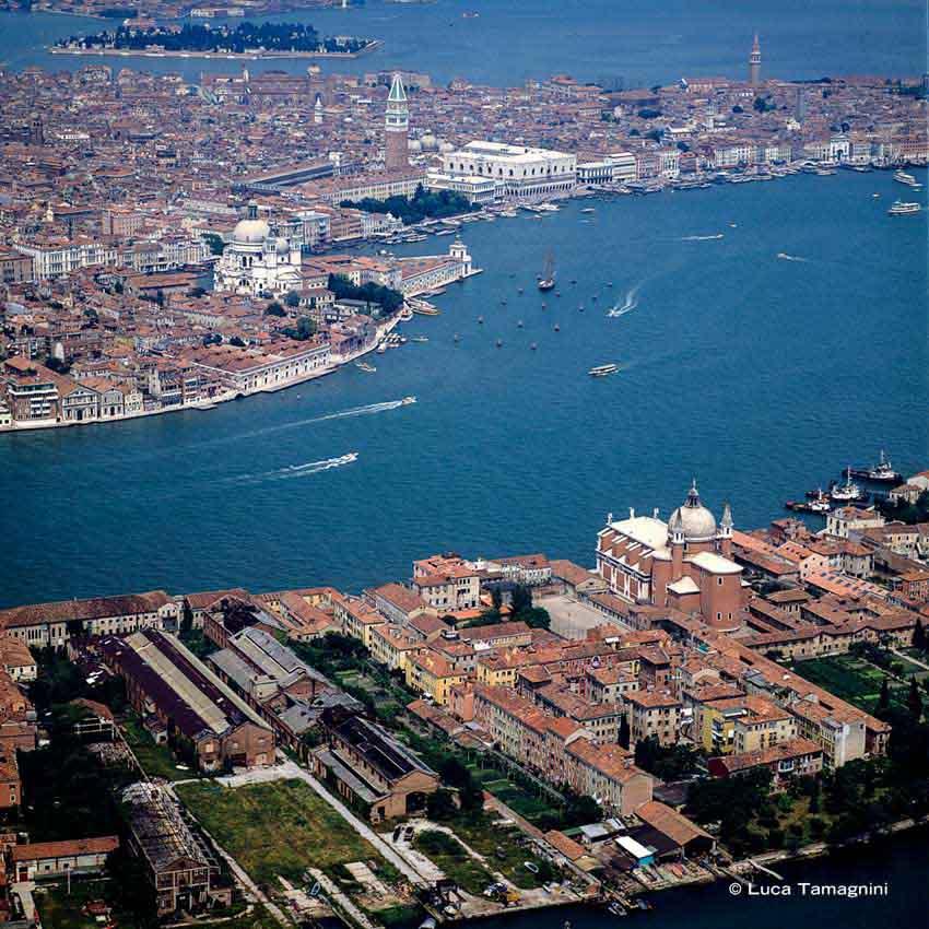 Venezia, Giudecca vista dal cielo, 1991 - Fotografia di Luca Tamagnini © 2018