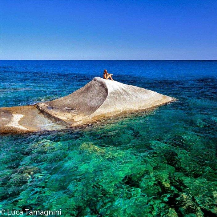 Villasimius-Cava-Usai-roccie-di-granito-sul-mare