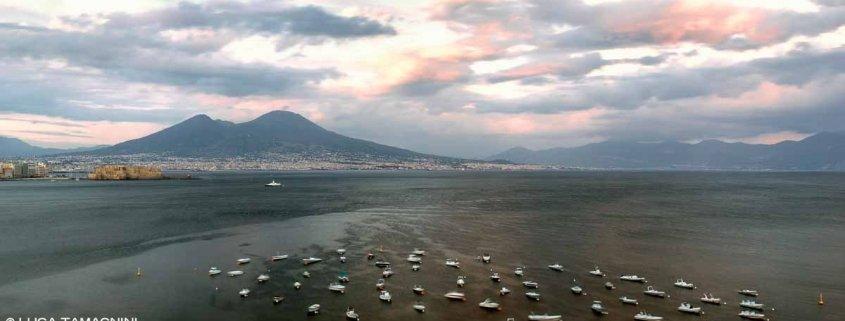 Luca Tamagnini Catalogo 2018 028 Golfo di Napoli da Mergellina