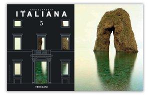 Foto di Luca Tamagnini dell Arco Naturale di Ponza Spaccapolpi in copertina della Rivista Treccani aprile 2020
