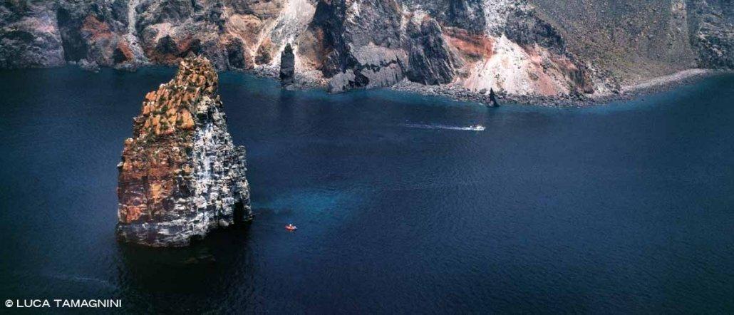 Isole Eolie Faraglioni di Lipari dal cielo