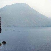 Isole Eolie, Isola di Filicudi Scoglio La Canna dal cielo