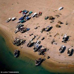 Civitanova Marche, barconi sulla spiaggia dal cielo