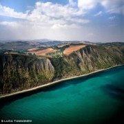 La costa tra Gabicce e Pesaro dal cielo