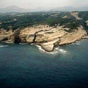 Sardegna, Funtanazza, Punta Calada Bianca dal cielo (foto aerea) / Luca Tamagnini Catalogo 1992-022