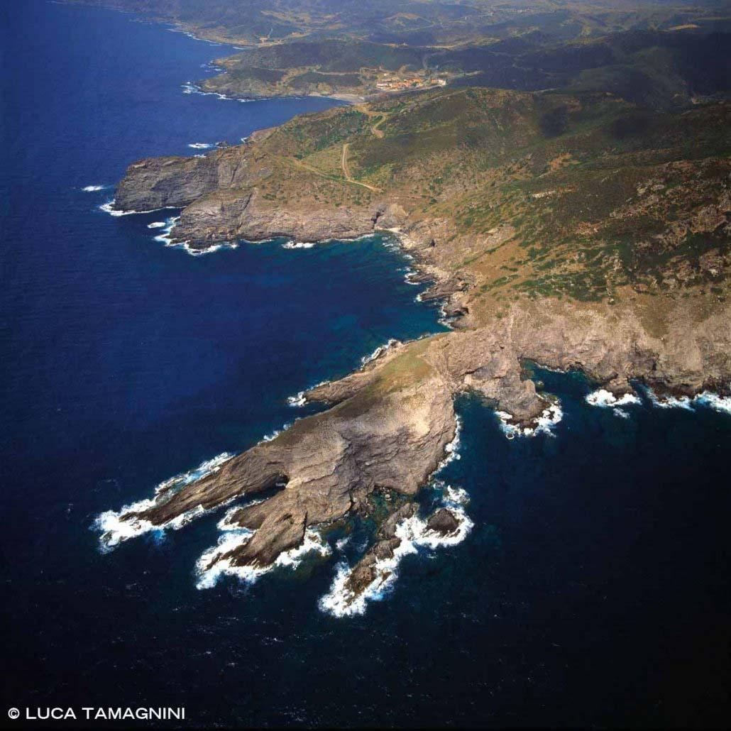 Sardegna, Capo dell'Argentiera dal cielo / Luca Tamagnini Catalogo 1992-054