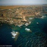 Sardegna, Penisola del Sinis Capo Mannu dal cielo (foto aerea) / Luca Tamagnini Catalogo 1992-060