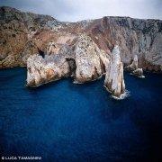 Sardegna, Bugerru Faraglioni Planu Sartu dal cielo (foto aerea) / Luca Tamagnini Catalogo 1992-068