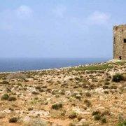 Sardegna, Torre di Cala Domestica sullo sfondo il mare / Luca Tamagnini Catalogo 1992-069