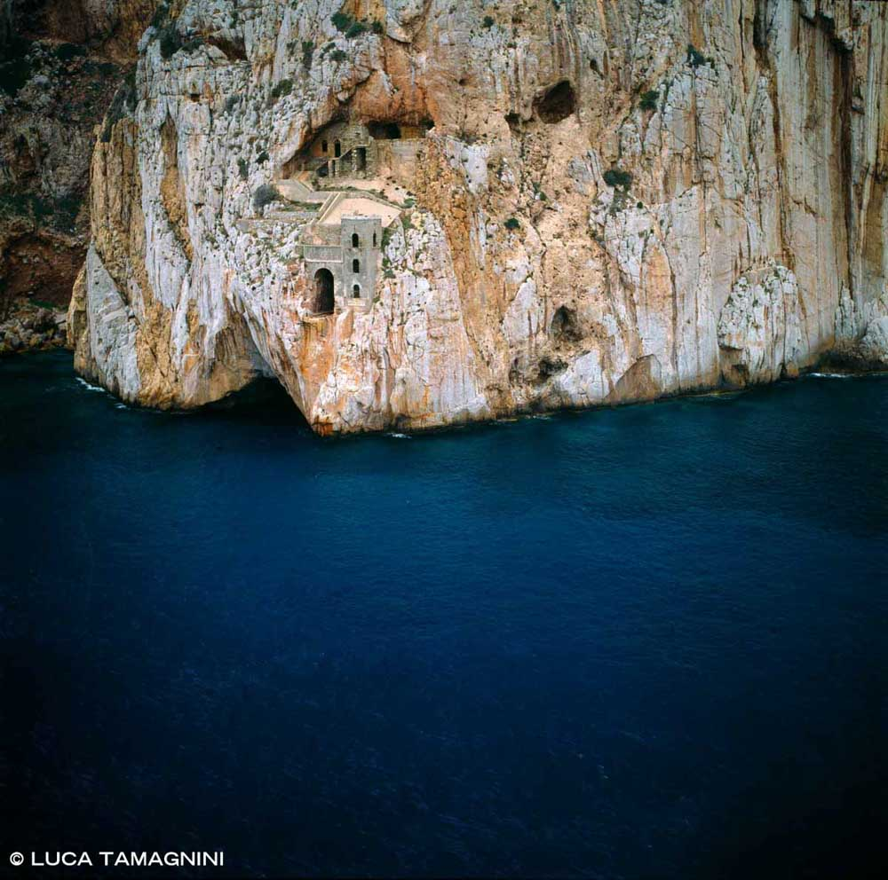 Sardegna, Masua Porto Flavia dal cielo (foto aerea) / Luca Tamagnini Catalogo 1992-070