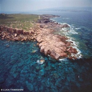 Sardegna, Isola di San Pietro Isola Piana dal cielo (foto aerea) / Luca Tamagnini Catalogo 1992-076