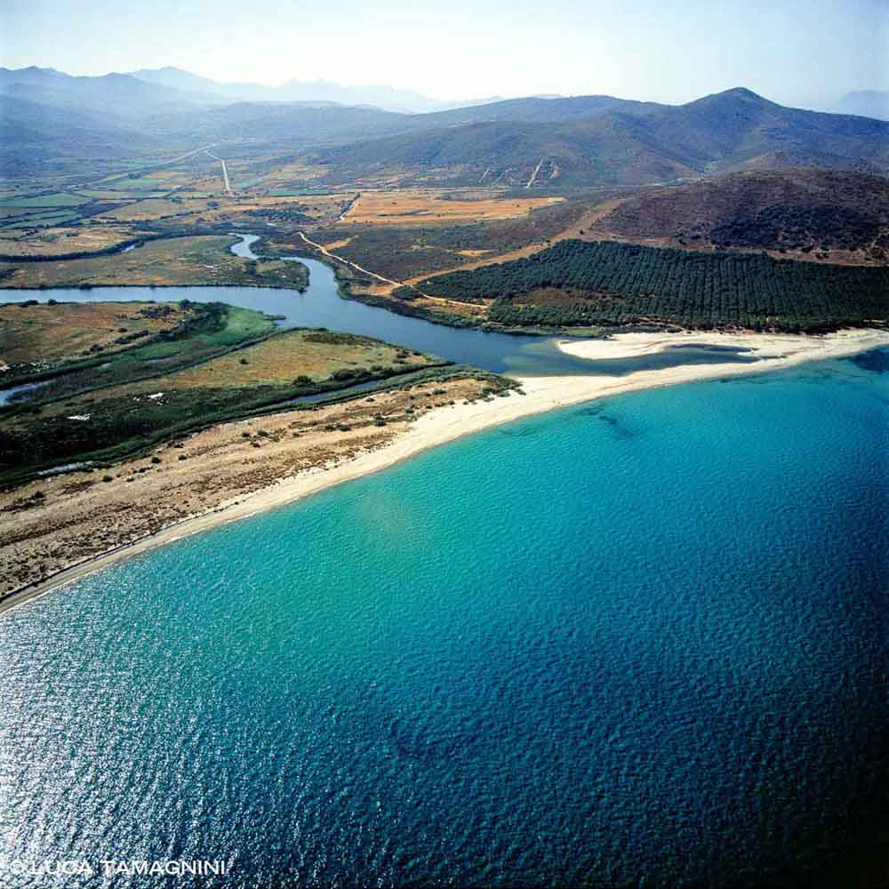 Sardegna, Foce del fiume Posada dal cielo (foto aerea)