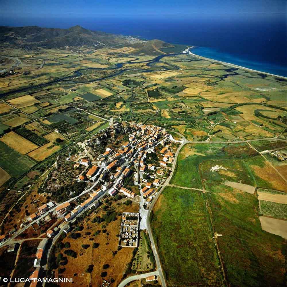 Sardegna, Posada dal cielo (foto aerea)