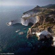 Isola di Ponza, Punta di Capo Bianco dal cielo (foto aerea). Catalogo Foto Ponza.