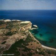 Sardegna, Santa Caterina di Pittinuri Spiaggia Di Cagaragas dal cielo (foto aerea) / Luca Tamagnini Catalogo 2000-004