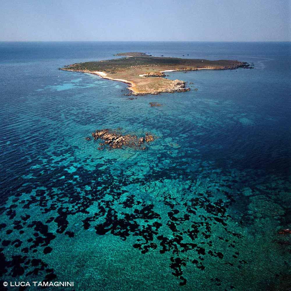 Sardegna, Isola di Mal di Ventre dal cielo (foto aerea) / Luca Tamagnini Catalogo 2000-005