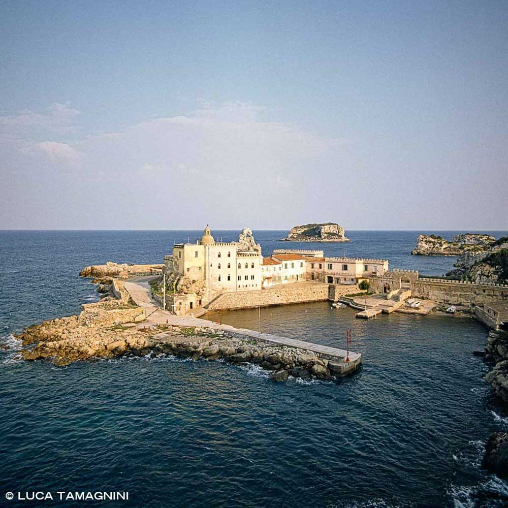 Arcipelago Toscano, Porticciolo di Pianosa e Palazzo della Specola