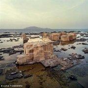Isola di Favignana antiche cave di tufo sul mare