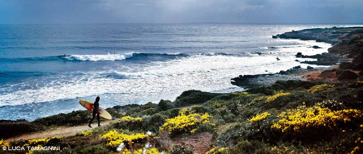 Sardegna, Penisola del Sinis, surfisti a Capo Mannu / Luca Tamagnini Catalogo 2004-014