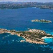 Arcipelago di La Maddalena, Isola di Caprera Punta Rossa dal cielo ( foto aerea) / Luca Tamagnini Catalogo 2005-022