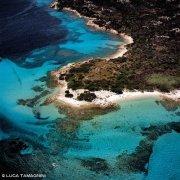 Isola di Budelli Spiaggia del Cavaliere dal cielo / Luca Tamagnini Catalogo 2005-026