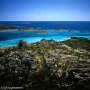 Arcipelago di La Maddalena, Isola di Budelli dal cielo Rada del Cavaliere Porto Madonna dal cielo / Luca Tamagnini Catalogo 2005-038