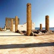 Vendicari i resti della tonnara le colonne che reggevano il detto