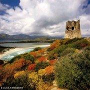 Sardegna, Villasimius, Torre di Porto Giunco, sullo sfondo la Spiaggia Timi Ama e lo Stagno di Notteri