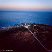 Il faro di Capo Murro visto dal cielo. Foto aerea.