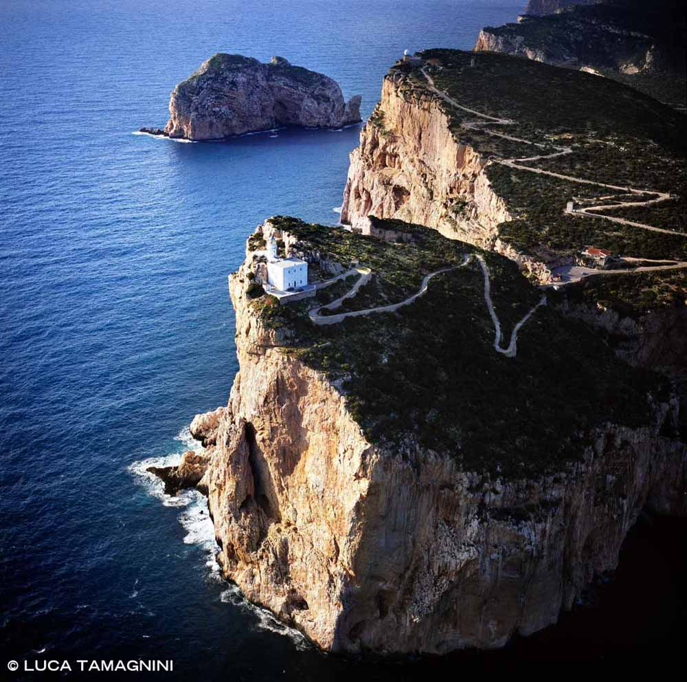 Sardegna, Capo Caccia Faro dal cielo (foto aerea) / Luca Tamagnini Catalogo 2008-033