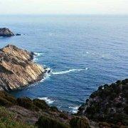 Sardegna, la costa rocciosa di Capo Malfatano con torre saracena, sullo sfondo il mare / Luca Tamagnini Catalogo 2008-041