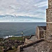 Castelsardo ilborgo e la chiesa con il campanile sul mare