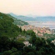 Vietri sul Mare dal paese di Raito sullo sfondo il Porto di Salerno