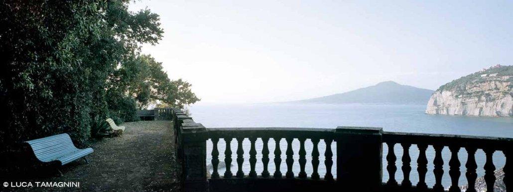 Sorrento, Sant'Agnello, Il Pizzo, paesaggio sul Golfo di Napoli con Vesuvio sullo sfondo
