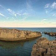Salento Tricase la torre e le cave di tufo sul mare di Marina Serra