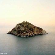 Liguria di Ponente, Isola di Bergeggi