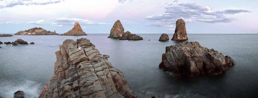 Luca Tamagnini Catalogo 2018 022 Acitrezza Faraglioni e Isole dei Ciclopi