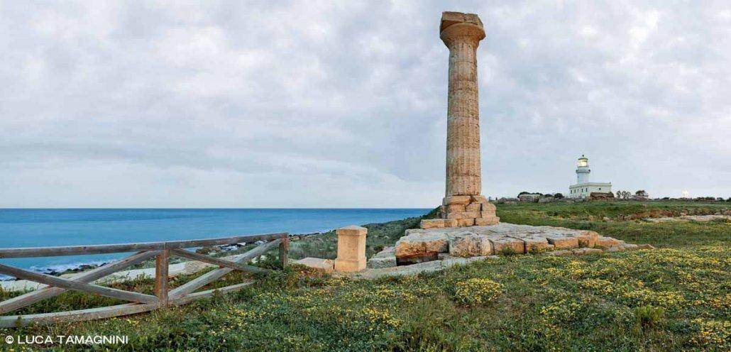 Foto Mare Calabria. Capo Colonna Tempio di Hera Lacinia in riva al mare