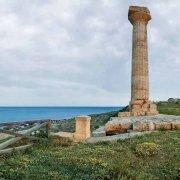 Capo Colonna Tempio di Hera Lacinia in riva al mare