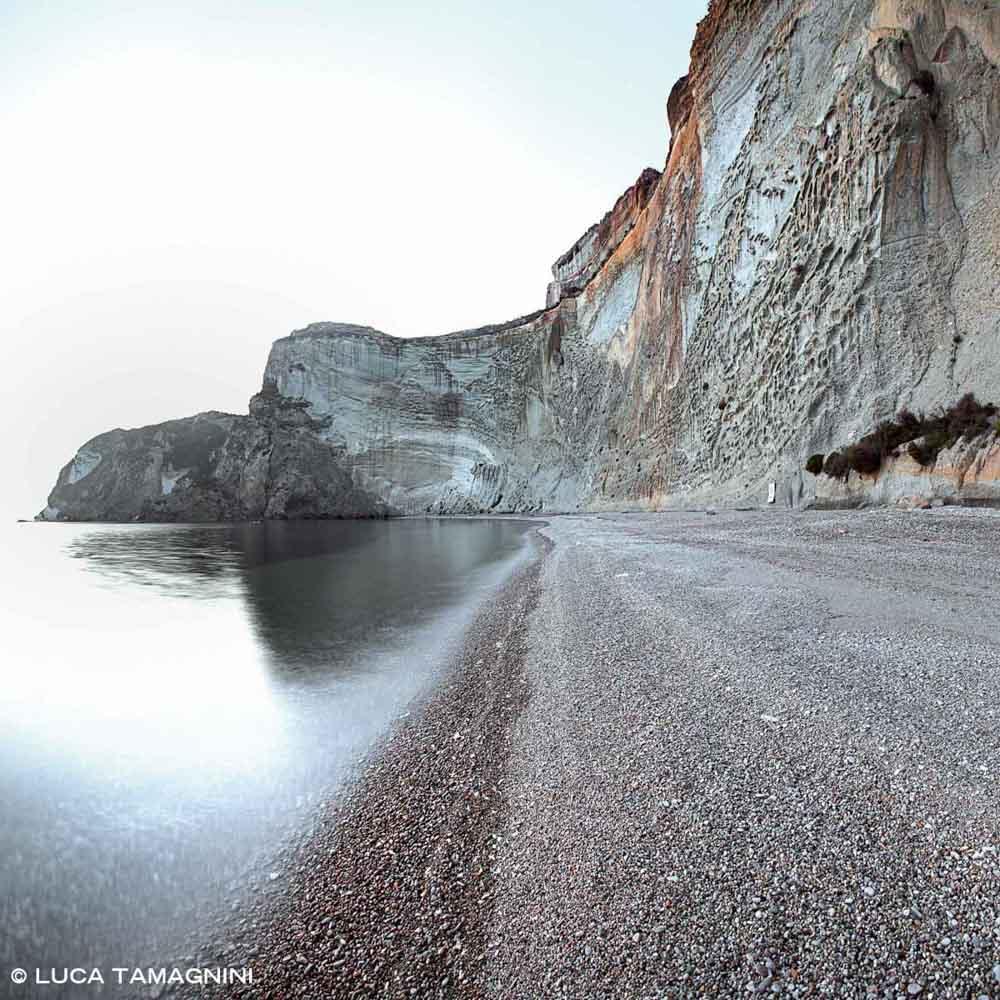 Ponza, Spiaggia di Chiaia di Luna. Catalogo Foto Ponza.