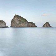 Isola di Ponza, Faraglioni di Calzo fotografie a posa lunga molto chiara